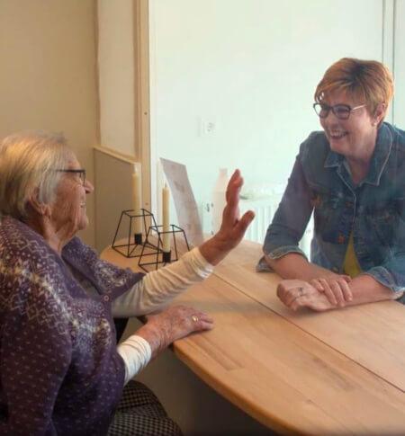 Samtalevæggen i brug på plejehjem